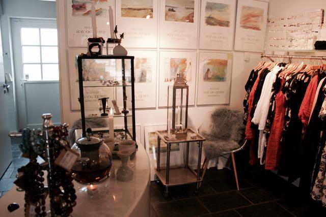 a557657671cb ... Butik 2 Søndervig - Stort udvalg af smykker ...