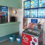 Danland Grillbar sælger is badevinger og dykkerbriller og grillmad i Søndervig